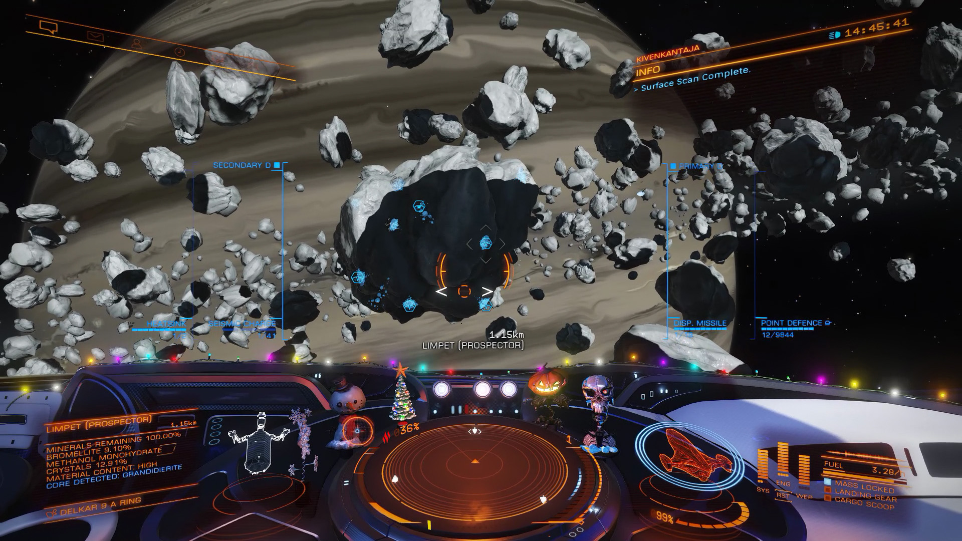 Elite: Dangerous beginner's guide: a screenshot showing the general shape of an icy megalode asteroid