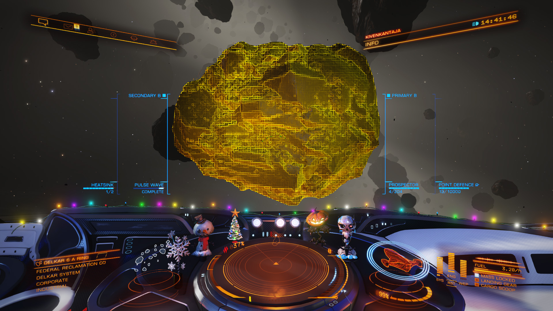 Elite: Dangerous beginner's guide: a screenshot of a metallic megalode asteroid highlighted by the pulse wave scanner