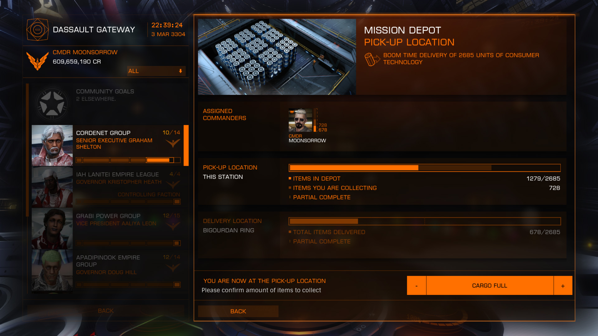 Elite: Dangerous beginner's guide: a screenshot of collecting cargo from a wing mission depot.